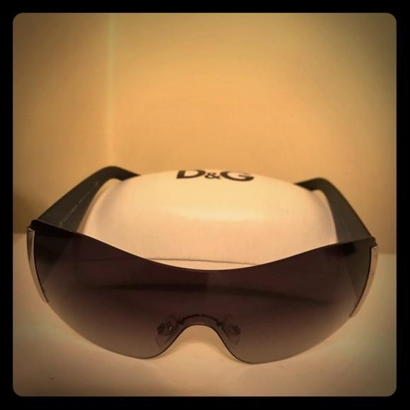 22b6ed69ed3d Dolce   Gabbana Accessories - Dolce   Gabbana Shield Sunglasses